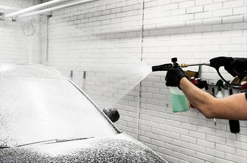 Snow-Foam-at-Amercian-Carwash-Islington